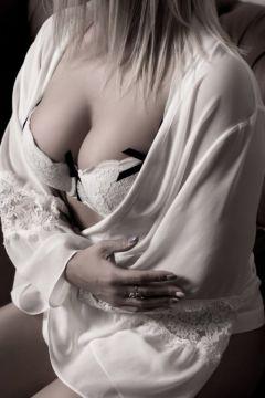 Снять проститутку в г. Красноярске от 5000 руб. в час (Страстная Блонди, тел. 8 960 757-85-46)