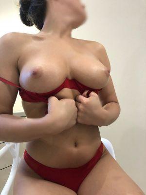 Даша — проститутка с большими формами, 23 лет