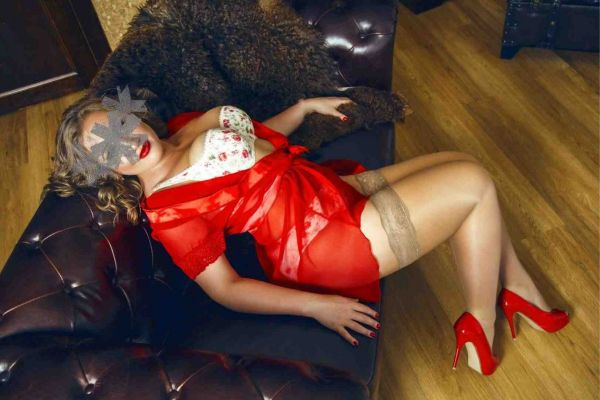 купить проститутку в Красноярске (Катюшка, рост: 166, вес: 61)